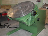 Welding positioners with variable speed and power tilt rotate the job whilst welding